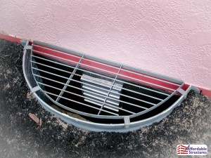 Window well with vent
